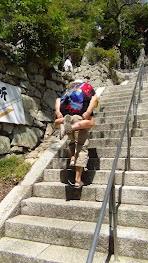 à dos de copain pour atteindre le temple de l'île Chikubu